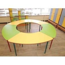 Модульный Комплект Улыбка для детских садов: 4 стола с растущими ножками для игр и занятий 210x210x46/52/58 см