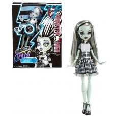 Кукла Монстер Хай Френки Штейн серия Они Живые! светится в темноте - Monster High Frankie Stein Ghouls Alive!