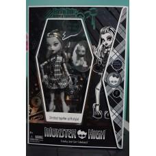 Коллекционная Кукла Монстер Хай Френки Штейн Комик Кон - SDCC Monster High Exclusive Black & White Frankie Stein