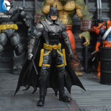 Фигурка Бэтмена из комиксов Земля 2- Batman, Earth2, DC Comics, 18 СМ