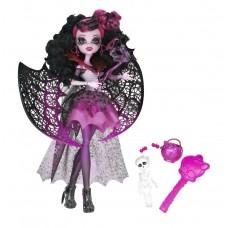 Кукла Монстер Хай Дракулаура Маскарад в платье со скелетом и сумочкой Monster High Draculaura Ghouls Rule