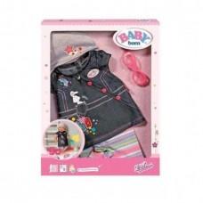 Детский Игровой Набор Джинсовой Одежды с сарафоном и шапкой для Куклы Бэби Борн 43 см Baby Born Zapf Creation